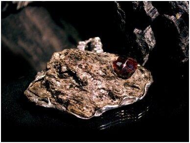 Apie akmenis