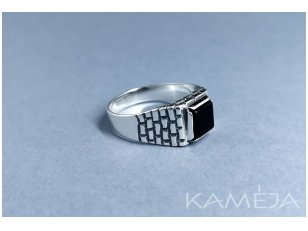 Sterling silver ring with black Onyx Z0407300540