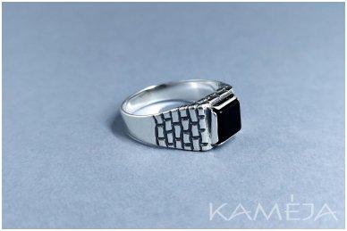 Sidabrinis žiedas su oniksu Z0407300540