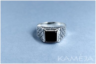 Sidabrinis žiedas su oniksu Z0407300540 2
