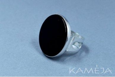 Žiedas su juodu oniksu Z1164301060