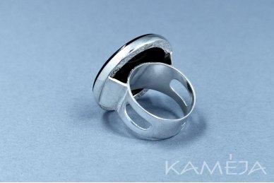 Žiedas su juodu oniksu Z1164301060 2